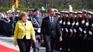 Merkel begrüßt Obama mit militärischen Ehren