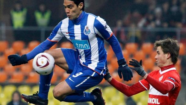 Drei gegen Villarreal