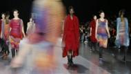 Issey Miyake zeigt Kollektion Beyond