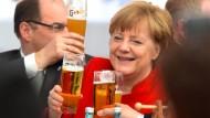 Prost! Merkel feiert 500 Jahre Reinheitsgebot