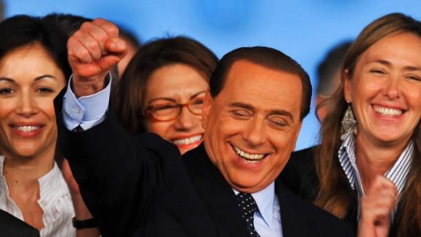 Berlusconi führt Volk der Freiheit