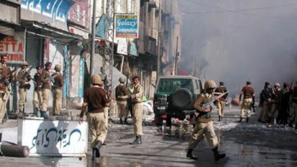 Mindestens 30 Tote bei Anschlag auf Schiiten in Pakistan