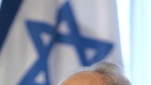 Peres warnt vor nuklearer Aufrüstung im Nahen Osten