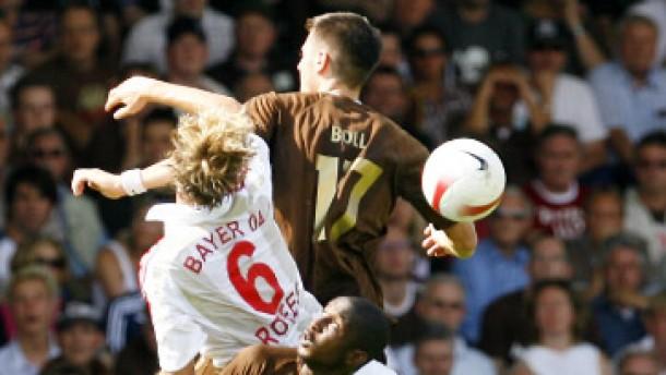 Spätes Glück für Werder und VfB - Frühes Aus für Bayer und Cottbus