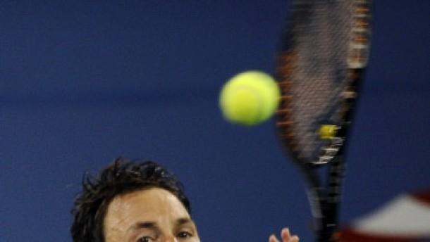 Greul kann Federer nicht stoppen