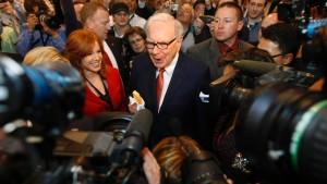 Buffett kritisiert Aktiengeschäfte von Sokol
