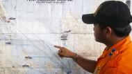 Rettungsdienst vermutet Flugzeug auf dem Meeresgrund
