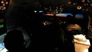 Einsatz vor der libyschen Küste: Im Cockpit des Nato-Awacs-Flugzeugs in der Nacht zum Sonntag