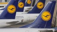 Fast die Hälfte der Lufthansa-Flüge fallen aus