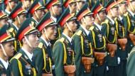 Vietnam erinnert mit Militärparade an Kriegsende