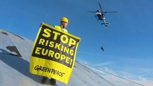 Greenpeace-Aktivisten besetzen Kernkraftwerk Fessenheim