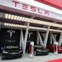 Eine Tesla-Supercharger-Station in Schanghai.