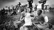 Nahezu eine Million Menschen wurden im Genozid getötet, mehr als zwei Millionen wurden zu Flüchtlingen.