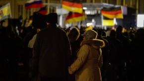 Legida - Der Leipziger Ableger der Anti-Islam-Bewegung will mehrere zehntausend Teilnehmer mobilisieren. Insgesamt 19 Gegenkundgebungen sind geplant. Die Polizei ist in Alarmbereitschaft.