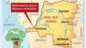 Frachtflugzeug verwüstet Wohnviertel in Kinshasa